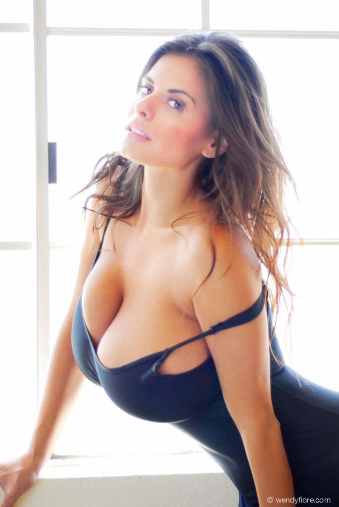 PINUP Of the Day : Wendy Fiore