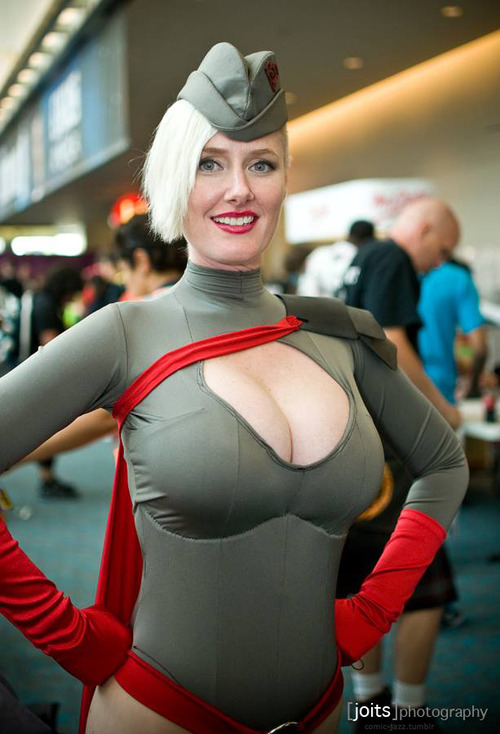 Cosplay : Red Son Power Girl