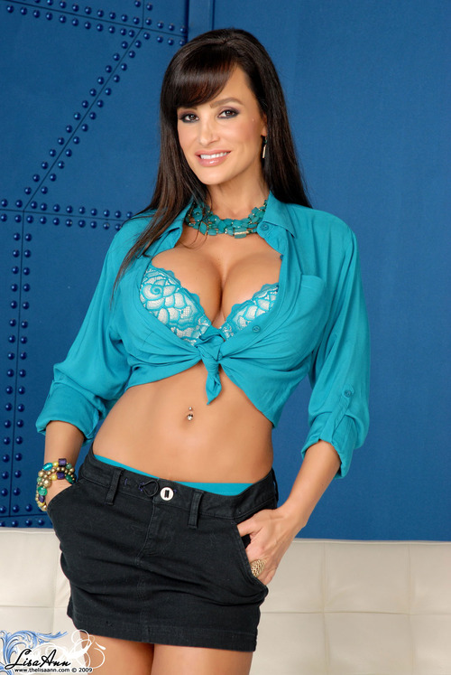 PINUP OF THE DAY : Lisa Ann