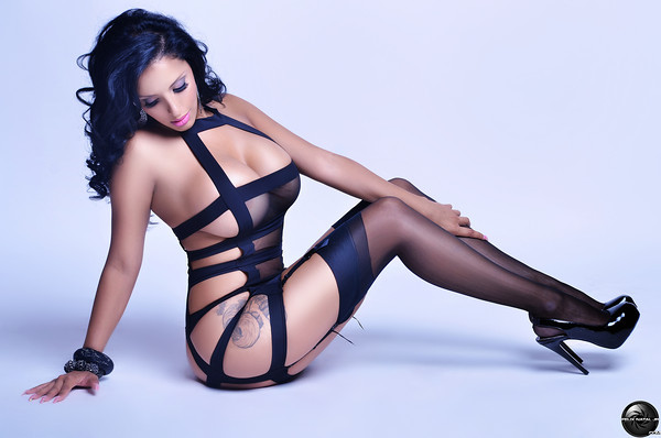 Pinup Of the Day : Tehmeena Afzal
