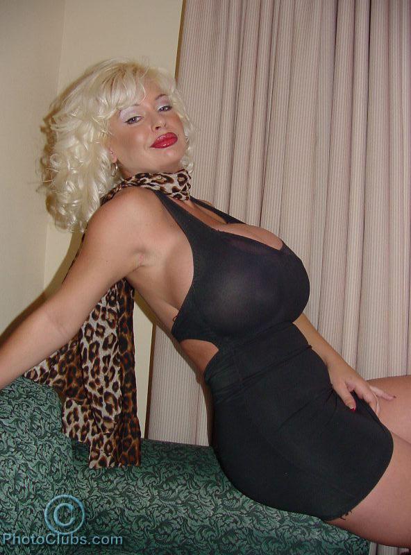 Huge s big tits and big busty woman 1 - 4 8