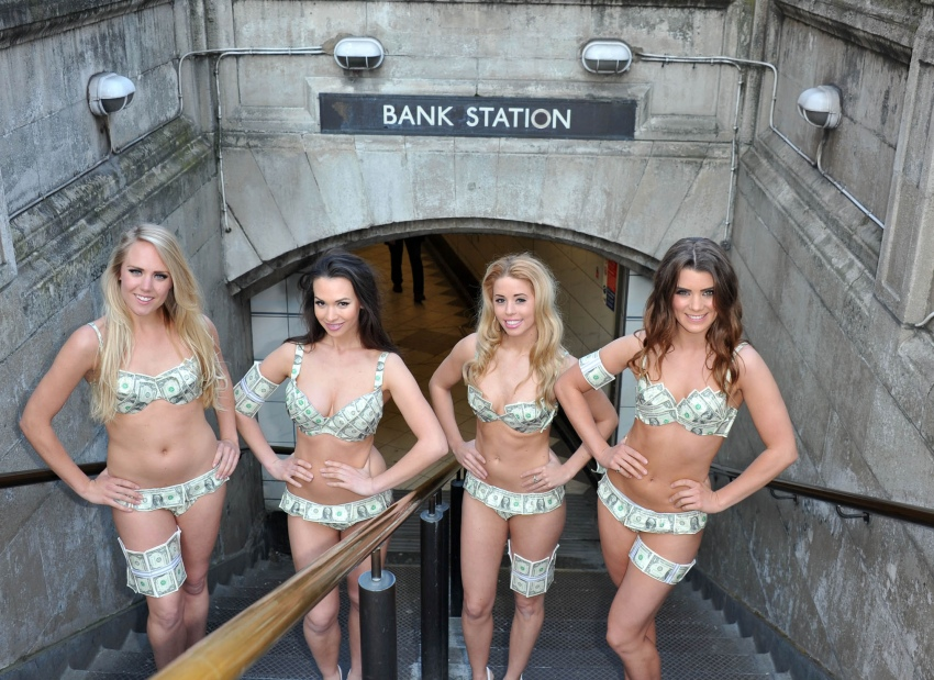 bank station girls-10