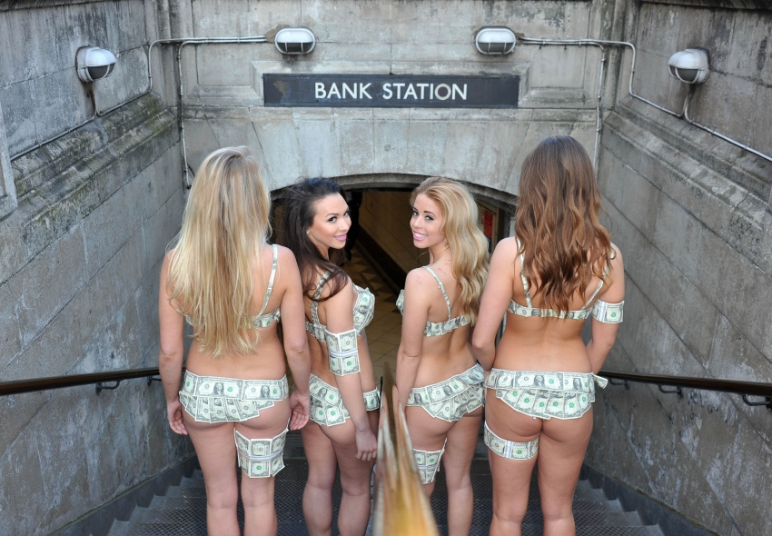 bank station girls-11